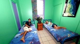 Twin room Calypso Backpacker Resort Cairns